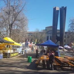 Street food in piazzale Alpini Scopritelo insieme a noi - Video