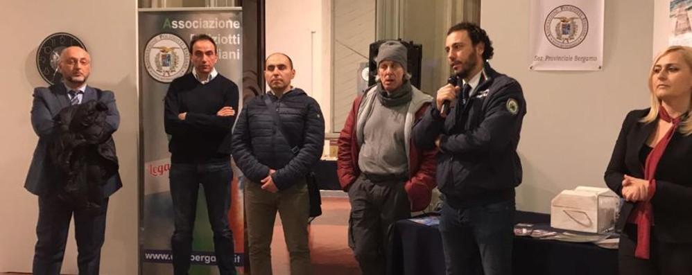 Arte inDivisa all'ex Ateneo Espongono poliziotti-artisti