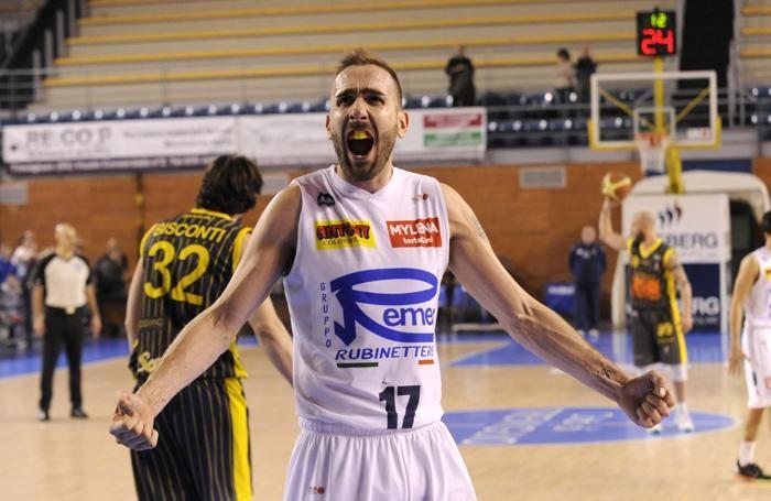Emanuele Rossi (Remer) esulta dopo la vittoria