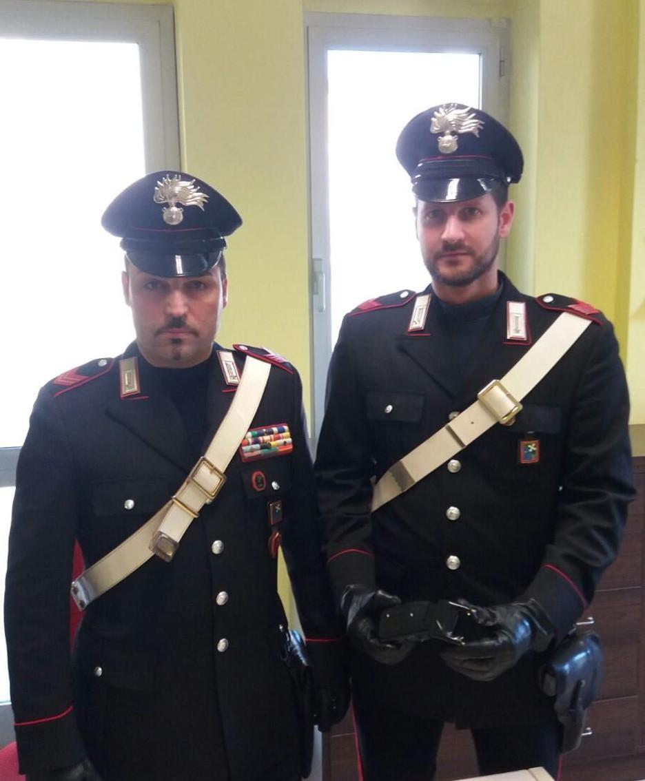Carabinieri di treviglio con il teser