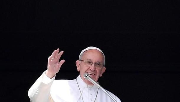 Papa: pregare per vittime delle guerre