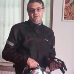 Schianto in moto, muore  elettricista «Una grande passione per la Ducati»