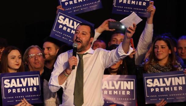 Salvini,De Magistris si confronti con me