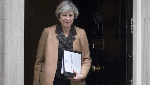 Brexit: May, via libera legge 'storico'