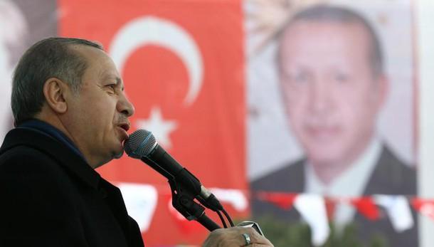 Erdogan, conosciamo Olanda da Srebrenica