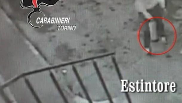 Estintori per fuga, presa banda rapine