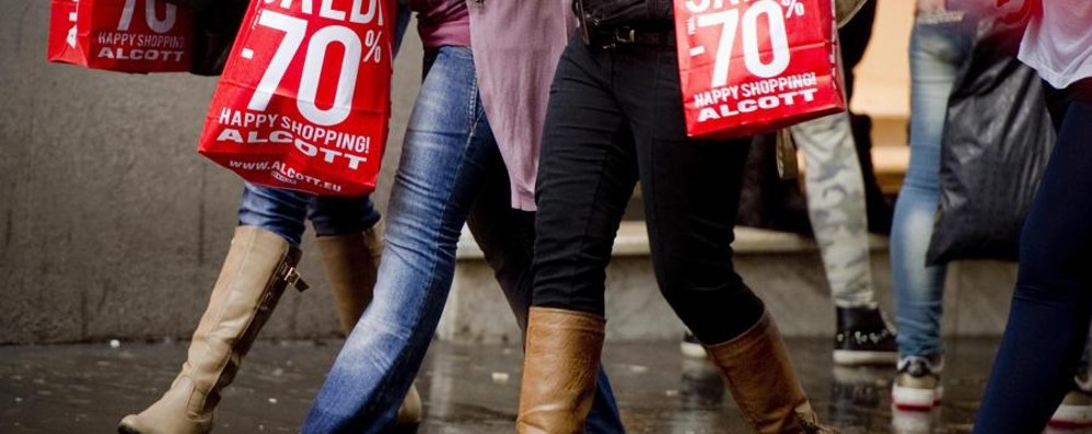 Saldi, via libera al Black Friday In Lombardia svendite a novembre
