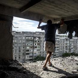 Kiev blocca traffico merci verso ribelli