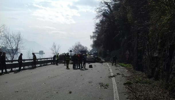 Frana statale Lago Maggiore, un morto