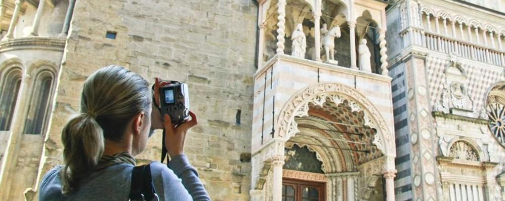 Bergamo «scippa» a Torino la festa dei 25 anni di Lonely Planet