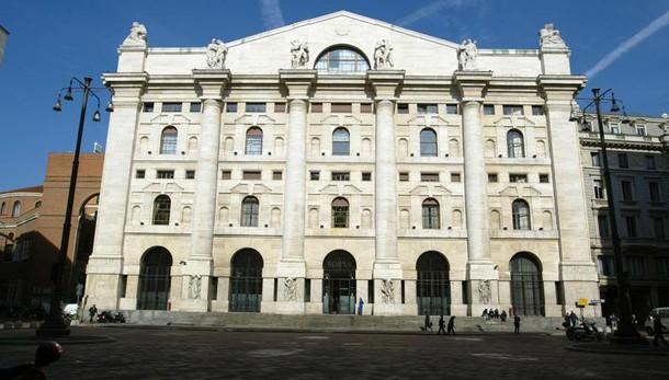 Borsa Milano in perdita dello 0,5%