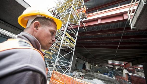 Calo produzione costruzioni top da 2014