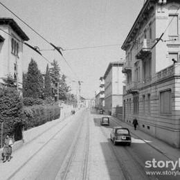 Uno scatto dal filobus in via Garibaldi Quegli anni Cinquanta in stile Instagram