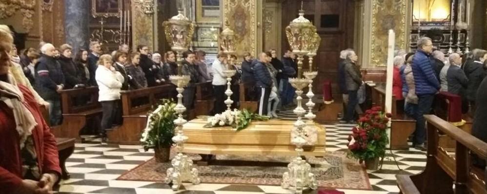 Vertova, l'ultimo saluto a mamma Luisa Tutto il paese stretto attorno ai sei figli