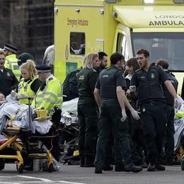 Londra, ecco chi è l'attentatore Cinque morti e 40 feriti - Video