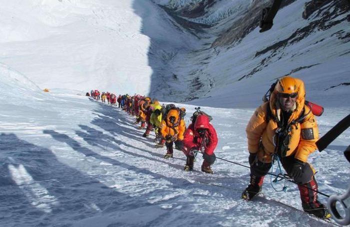 simone moro, assalto al kangchenjunga È la terza montagna più alta