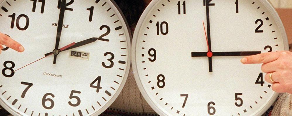 Lancetta avanti di un'ora Da domenica l'ora legale