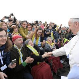 Un milione di fedeli per il Papa a Monza «Abbracciate i confini» - Guarda il video