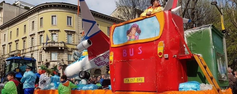 Arriva anche il sole sulla sfilata Mezza Quaresima, Bergamo festeggia