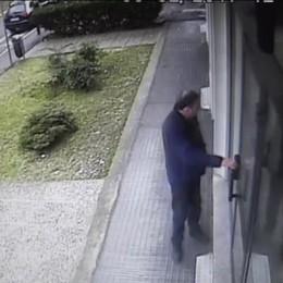 Il video del colpo in banca in Borgo Palazzo