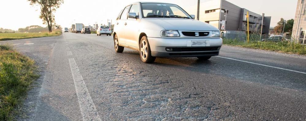 La Provincia dichiara guerra alle buche Verranno asfaltati 57 km di strade