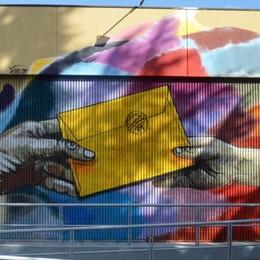 L'ufficio postale prende vita con i colori C'è lo zampino del Baro – Le Foto
