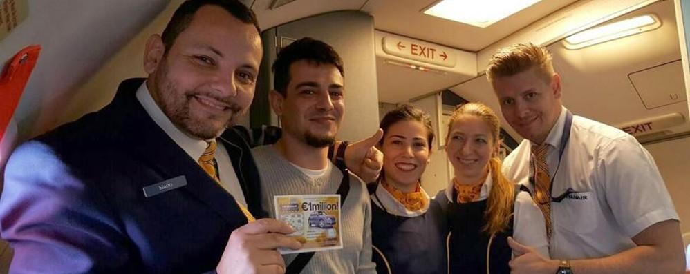 Cagliari-Bergamo, volo fortunato Vince mille euro con il gratta e vinci