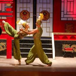 Operetta, ultimo atto al Donizetti Va in scena la «bollywoodiana» Bajadera