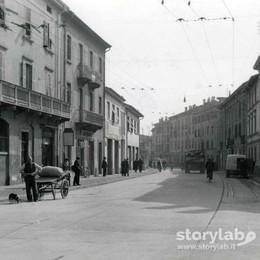 La strada, la gente e le fabbriche Gli anni Cinquanta in via Previtali