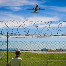Alitalia «sponsorizza» Linate -Video Orio: «Pubblicità ingannevole»