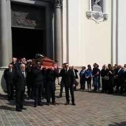 L'addio di Sarnico a Carlo Riva - Video «Ricorderemo la sua grande umanità»