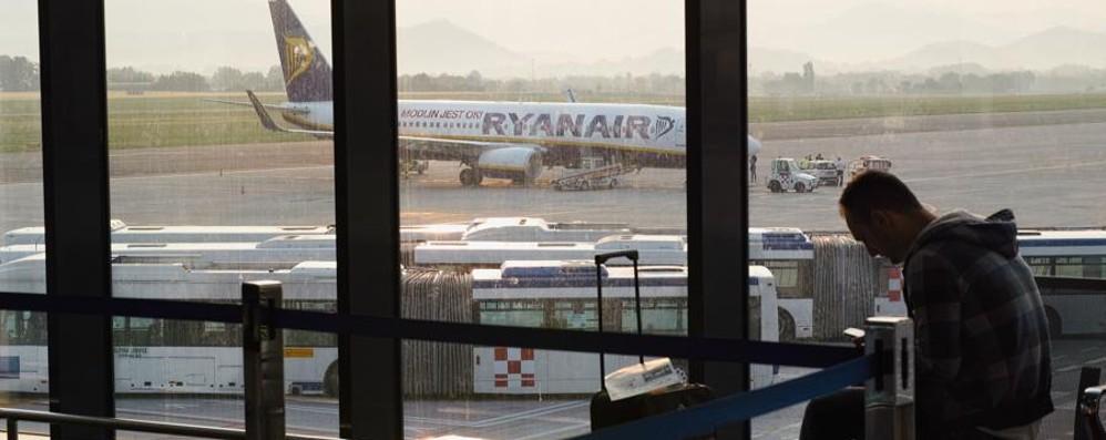 Svolta Ryanair, ok alle coincidenze  E i voli per gli Usa slittano a fine 2017