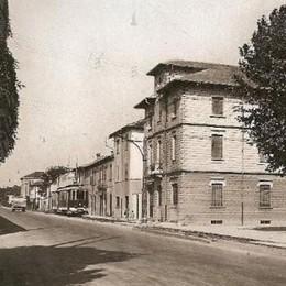 Via Corridoni, viaggio nel tempo a bordo del vecchio tram per Albino