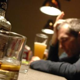 Alcol responsabile di 230 malattie È allarme tra i più giovani