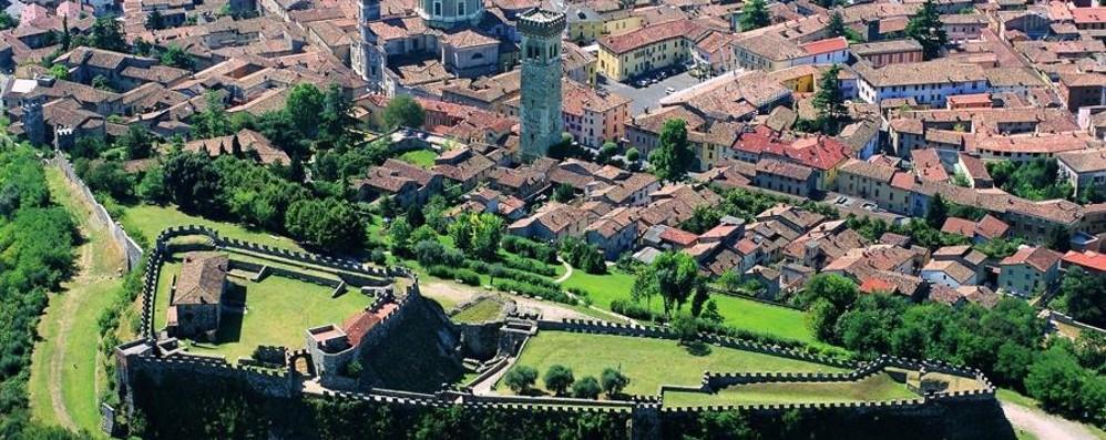 I bimbi ai giochi medievali  alla Rocca di Lonato