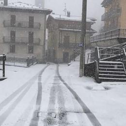 Weekend col sole, 1° Maggio no E a Lizzola guardate che neve