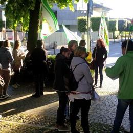 Protesta degli insegnanti di sostegno «A rischio i nostri stipendi e il lavoro»