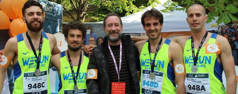 We Run, a Milano terzi nella staffetta Gamec e Carrara, si fa ginnastica-Video