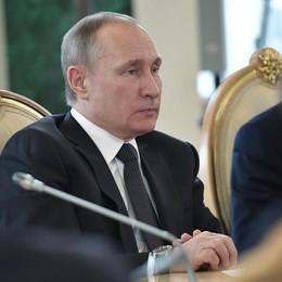 Mosca, rafforzeremo difese aeree Assad