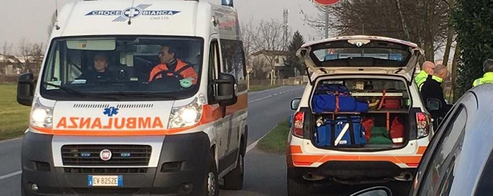 In moto contro una bici da corsa Grave 36enne di Alzano lombardo