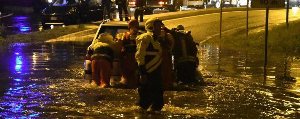 L'Italia flagellata dal maltempo I fiumi esondano, frane e bombe d'acqua
