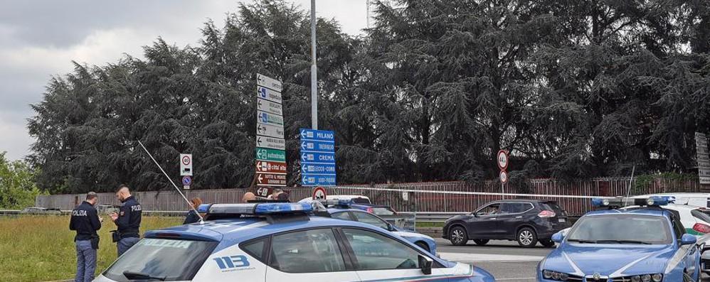 Bergamo, mendicante ferisce poliziotta Fermato da un colpo di pistola