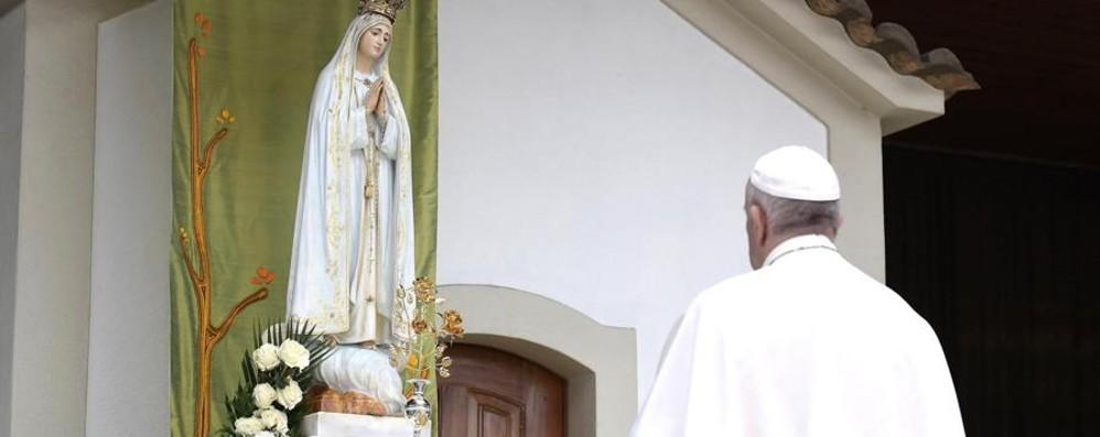 L'inno alla pace del Papa a Fatima