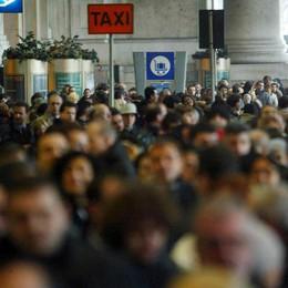 Italiani, popolo sempre più vecchio (E mammone: 7 under 35 su 10 in casa)