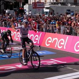 Jungels vince la tappa di Bergamo Spettacolare arrivo in centro - Video