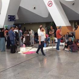 Guasto all'aereo, bloccati in Marocco «Intrappolati in aeroporto» - Video