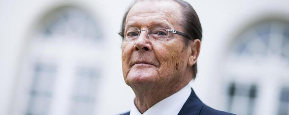 Addio all'attore  Roger Moore Volto storico di James Bond