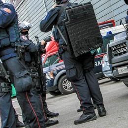 Caccia nel Nord Italia a una Citroen Sull'auto due presunti terroristi