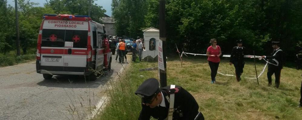Auto travolge pubblico al rally Tragedia: muore bimbo di 6 anni