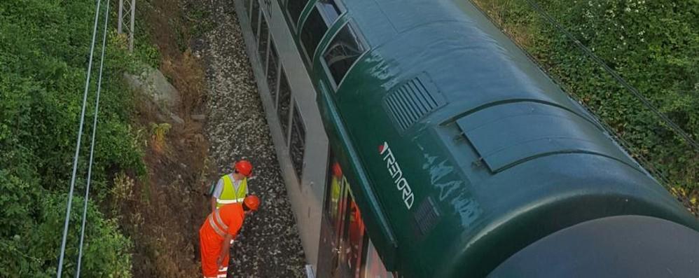 Treno deraglia prima del ponte di Paderno Pendolari bloccati, linea ko fino a sera